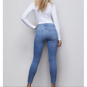 Good American🔴Good Legs Crop size 0/25